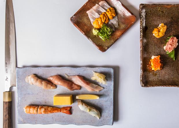 O chef Keisuke Egashira faz os melhores sushis da cidade
