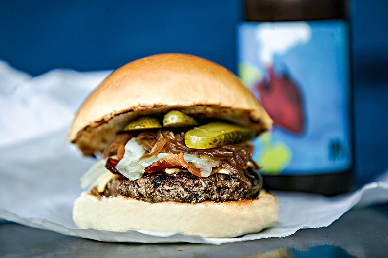 Hambúrguer da casa: 135 gramas de carne