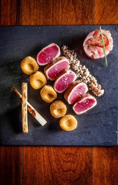 Novas criações: atum com vinagrete de quiabo