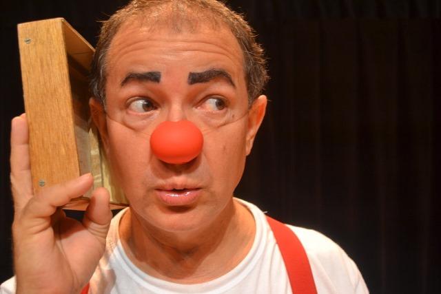 Lolo Barnabé: adaptação da Cia. Circo de Bonecos