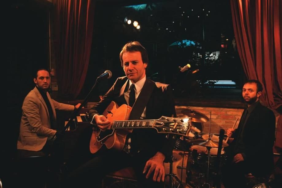 O trio do guitarrista Daniel Daibem (à frente): atrações da casa