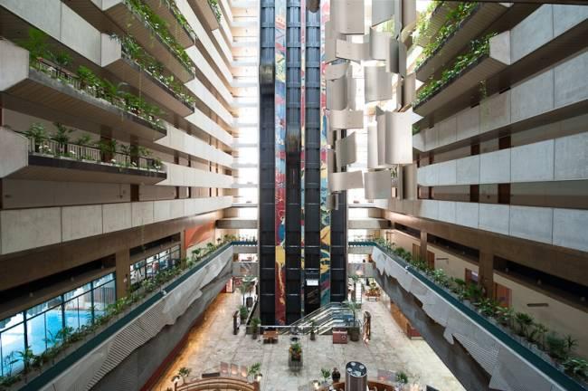 maksoud-plaza-atrium-lobby-32.jpeg