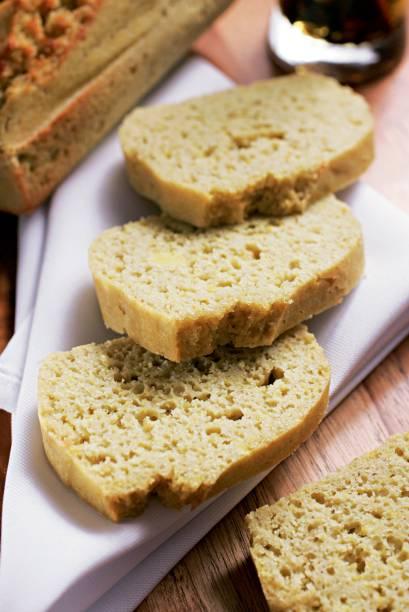 Pão de farinhas de arroz e de mandioca mais fécula de batata