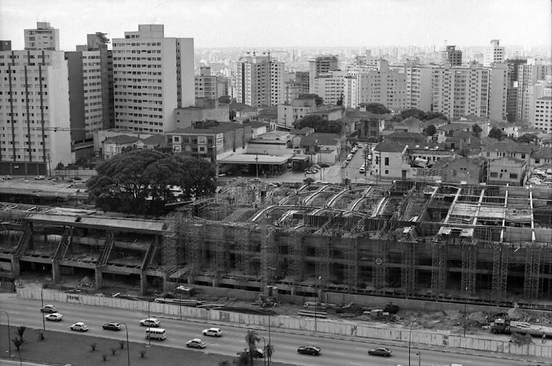Vista aérea da construção do Centro Cultural São Paulo, que completou 30 anos em 2012