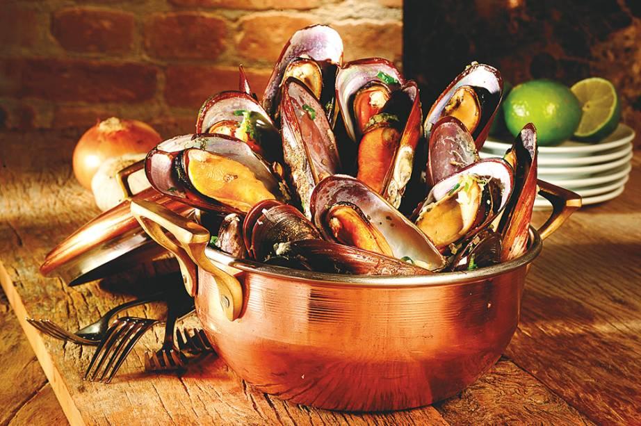 Dedicado aos pescados, esse endereço de Walter Mancini batiza uma das entradas comnome engraçadinho: mariscos ao mar virado. Com molho de vinho branco e azeite, o sabor dos mexilhões também agrada.