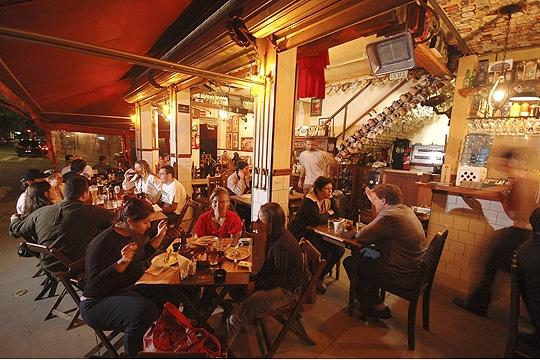Bezerra: botequim com ótimas opções de cerveja