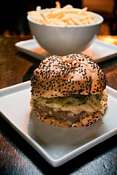 O hambúrguer secreto, a única pedida da casa