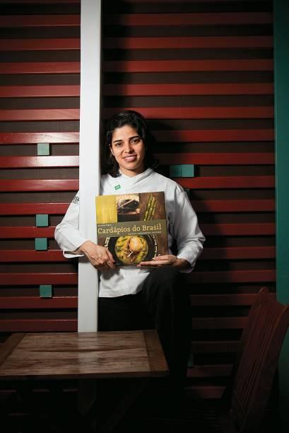 A chef Ana Luiza Trajano: livro com receitas coletadas em viagens pelo país