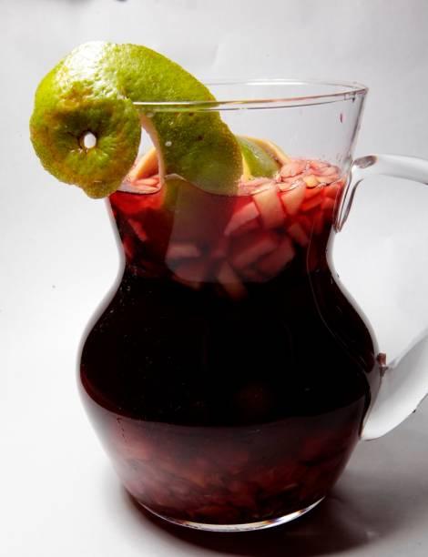 Sangria: refrescante mistura de frutas e vinho