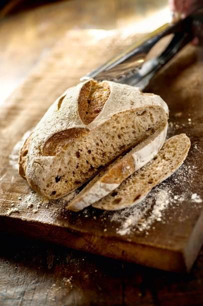 Pão miche: feito de centeio e com aparência rústica