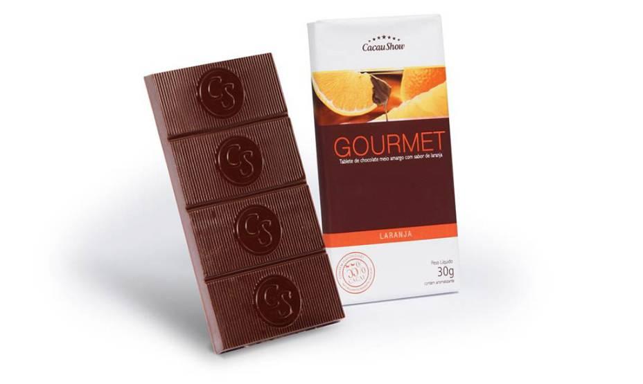 Tablete de chocolate meio amargo com sabor de laranja