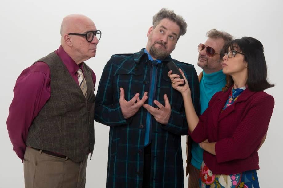 O elenco da comédia: Riba Carlovich, Dan Stulbach, Henrique Stroeter e Maíra Chasseraux
