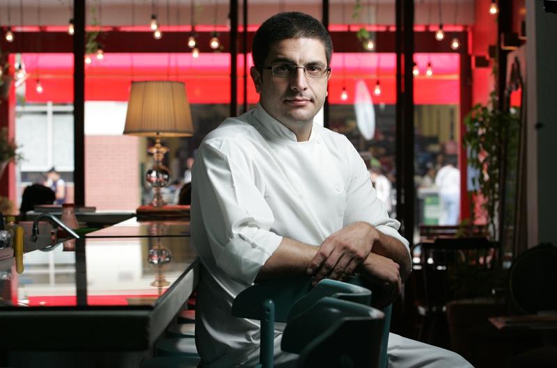 O chef Flavio Santoro responde pela execução das receitas