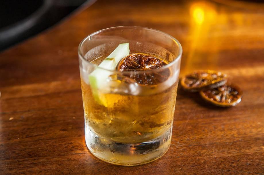 O drinque sauternes rum old fashione do bar Bona