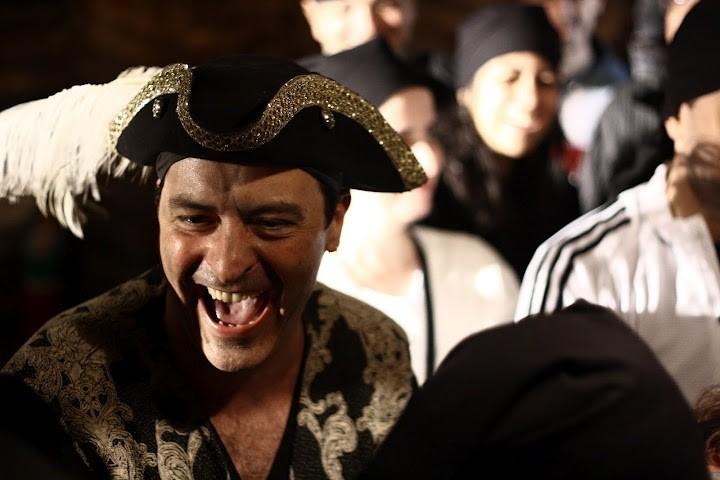 O Ilha do Tesouro: nessa aventura teatral a plateia é recrutada durante o espetáculo