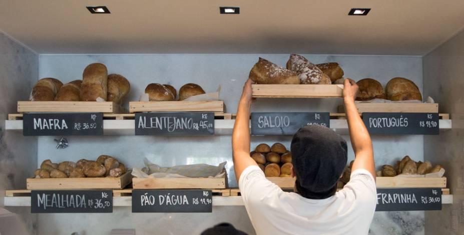 O balcão nos Jardins: dezesseis novos tipos de pão