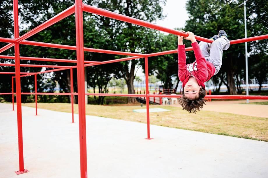Força e equilíbrio ao ar livre