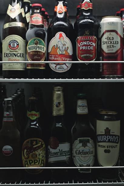 O freezer: trinta rótulos de cerveja disponíveis