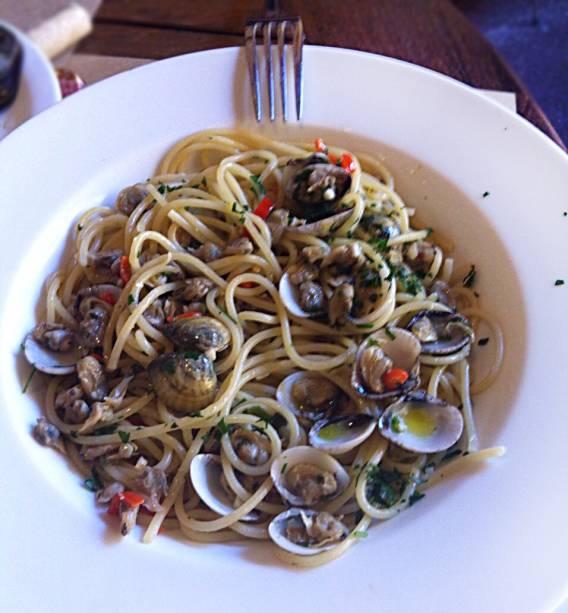 Espaguete ao vôngole da cantina Pasquale