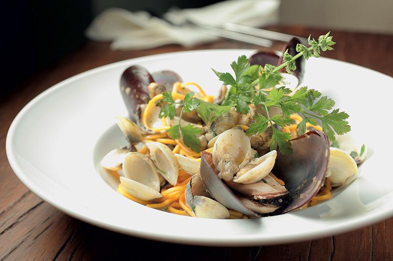 Espaguete com vôngole e mexilhão: acerto do chef