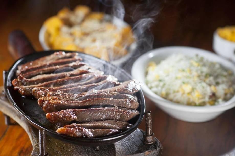 Pira Grill: endereço em Pinheiros serve carnes e pizzas assadas no forno a lenha