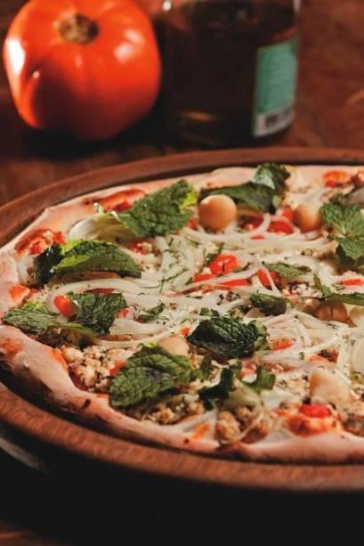 Pizza & Pizzas: a libanesa leva queijo chancliche, cebola, macadâmia e hortelã