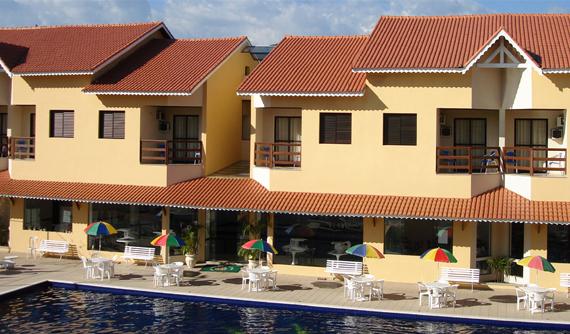Hotel tem piscina coberta e aquecida