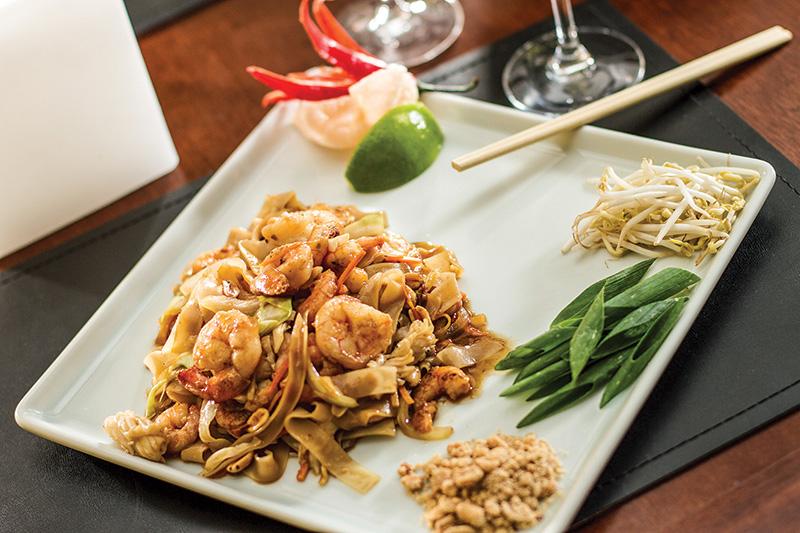 Menu especial de Dia dos Namorados: de prato principal, pad thai de camarão, legumes e castanhas