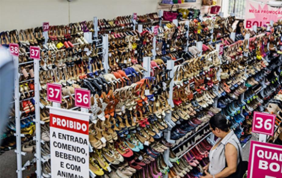 Rede Galinha Morta: bolsas, sapatilhas, peep toes e escarpins