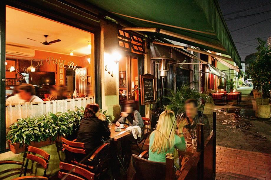 O restaurante mediterrâneo De La Paix