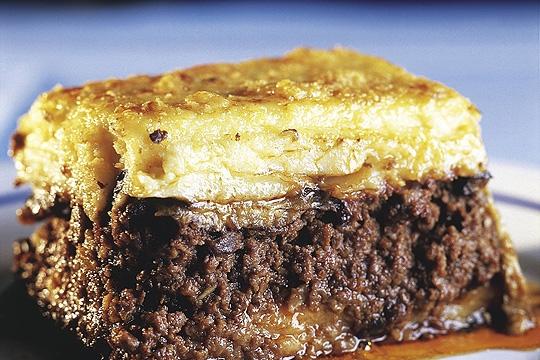 Acrópoles: torta de berinjela com carne moída e massa de batata