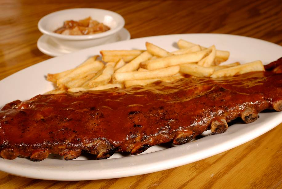 Outback: costelinhas com barbecue