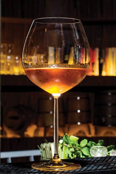 O novo espaço: oferta de drinques como o jatobá (R$ 28,00)