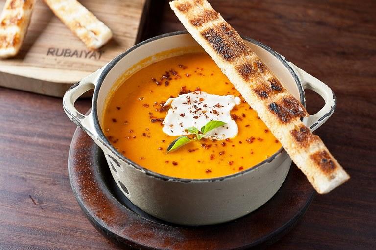Creme de tomate com queijo de cabra