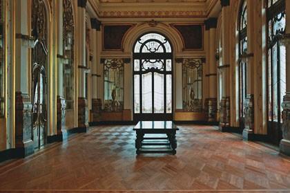 O salão nobre: são sete conjuntos de vitrais renovados
