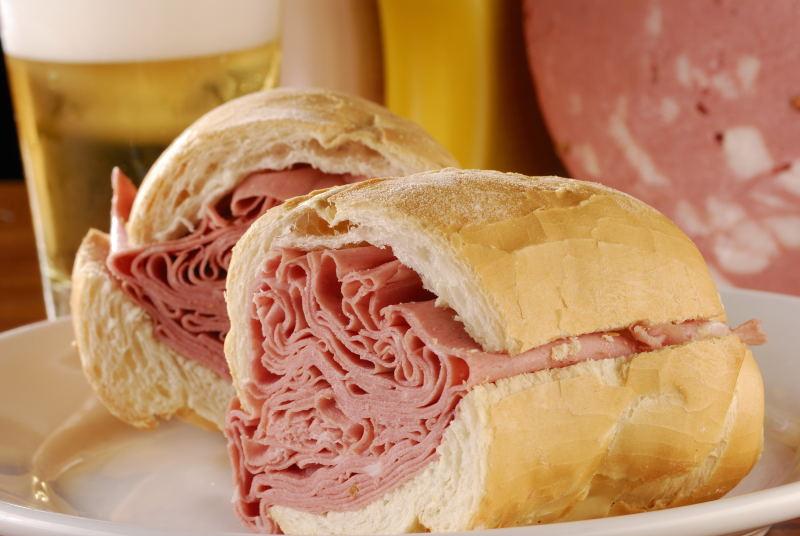 Bar do Mané: o sanduíche de mortadela mais tradicional do Mercadão