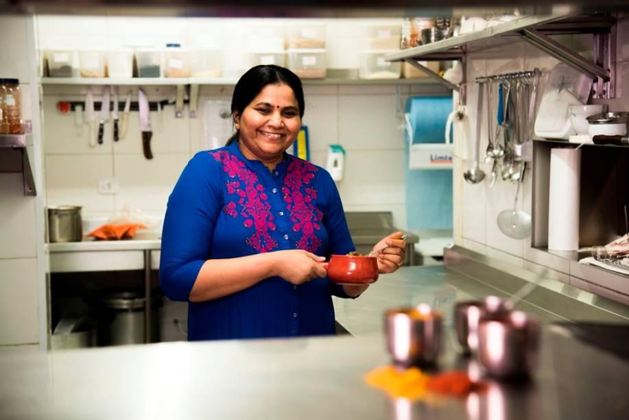 A cozinheira indiana Deepali Bavaskar
