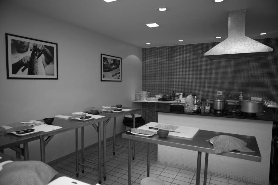 A cozinha da Escola Sassá Sushi