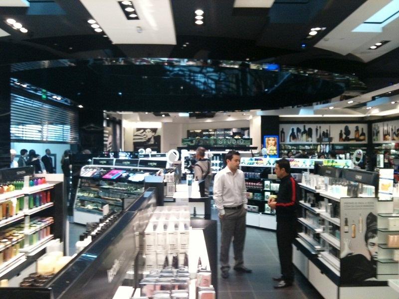 Sephora, do Shopping Eldorado: produtos para cuidados com a pele, maquiagens, unhas e perfumaria