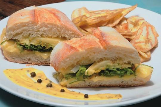 Lanche de abobrinha com queijo brie: boa companhia ao suco super juice detox