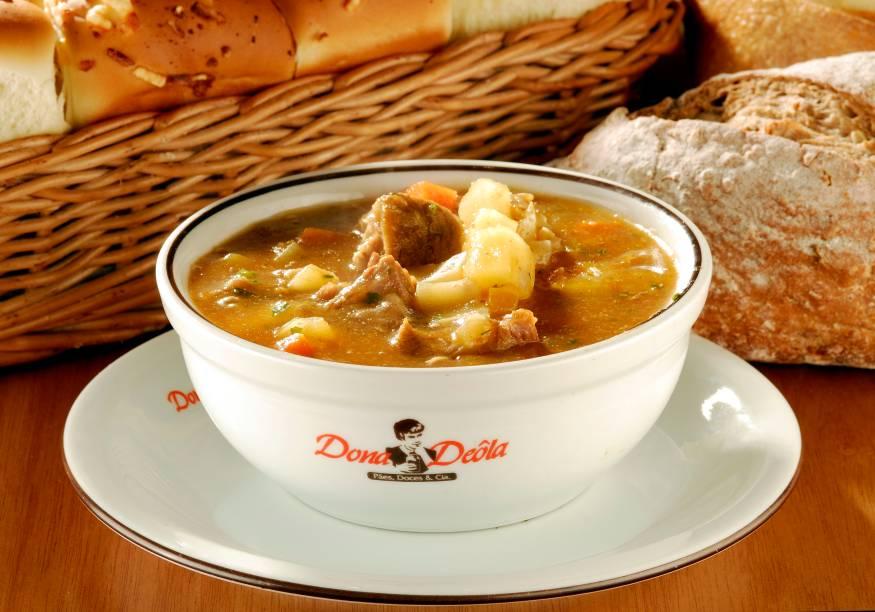 Dona Dêola: sopa de vaca atolada