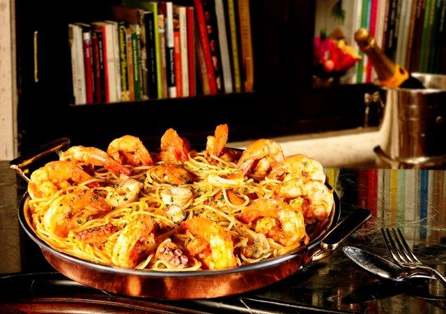 Spaghetti com frutos do mar clássico