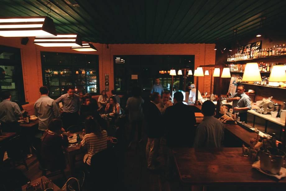 O salão do novo bar e restaurante Taberna 474: vocação múltipla