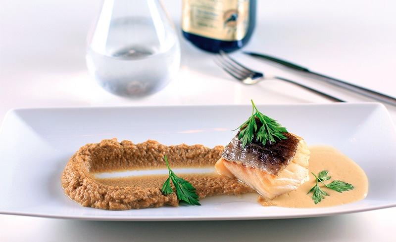 Bacalhau com purê de castanha: prato do novo menu especial