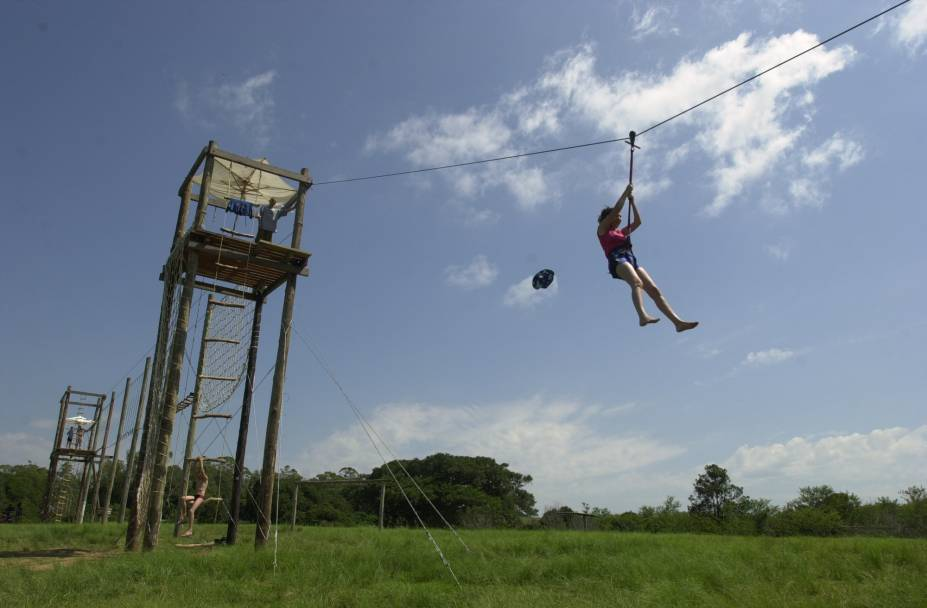 O Cantareira Esportes de Aventura oferece atividades de tirolesa