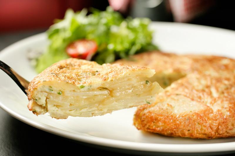 Tortilha: omelete de batata e cebola