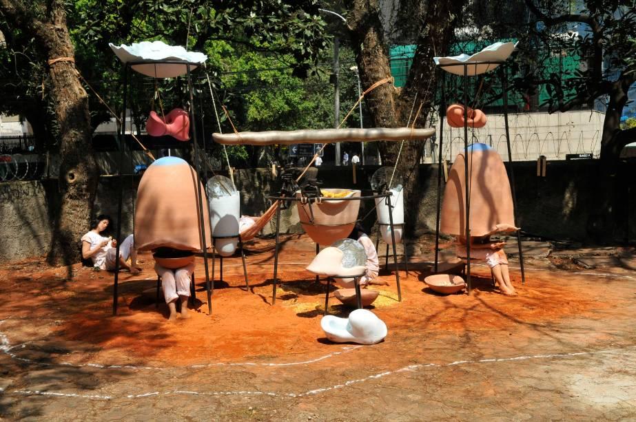 Instalação do brasileiro Tunga