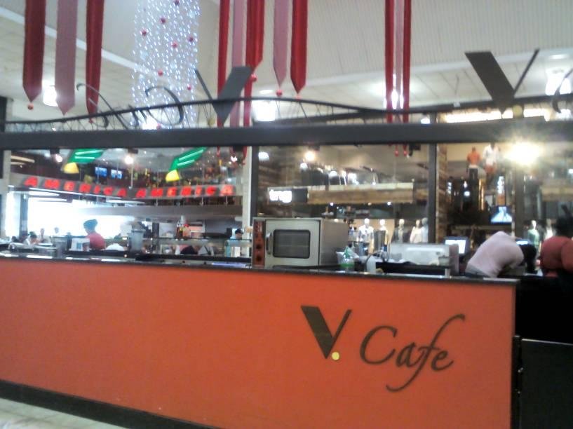 V. Café no Shopping Center Norte