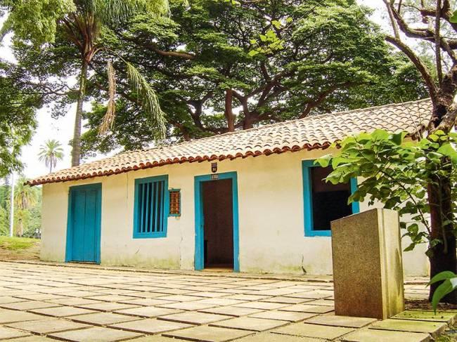 Casa do Grito - Capa 2334