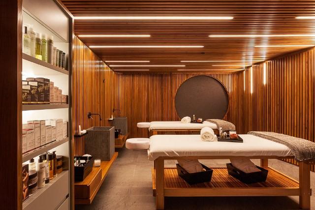 032_hotel-unique_-spa-room-jpg